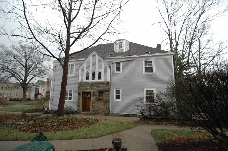 1445 E McMillan Street, Cincinnati, OH 45206