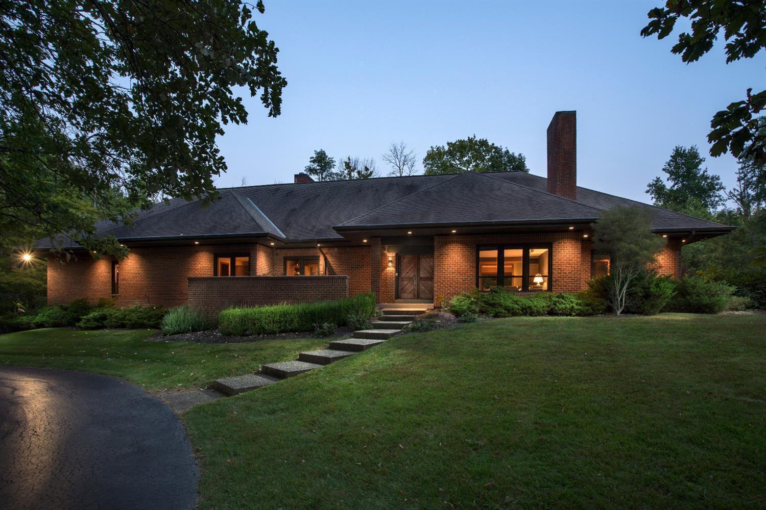 9180 Meadow Grove Lane, Indian Hill, OH 45243