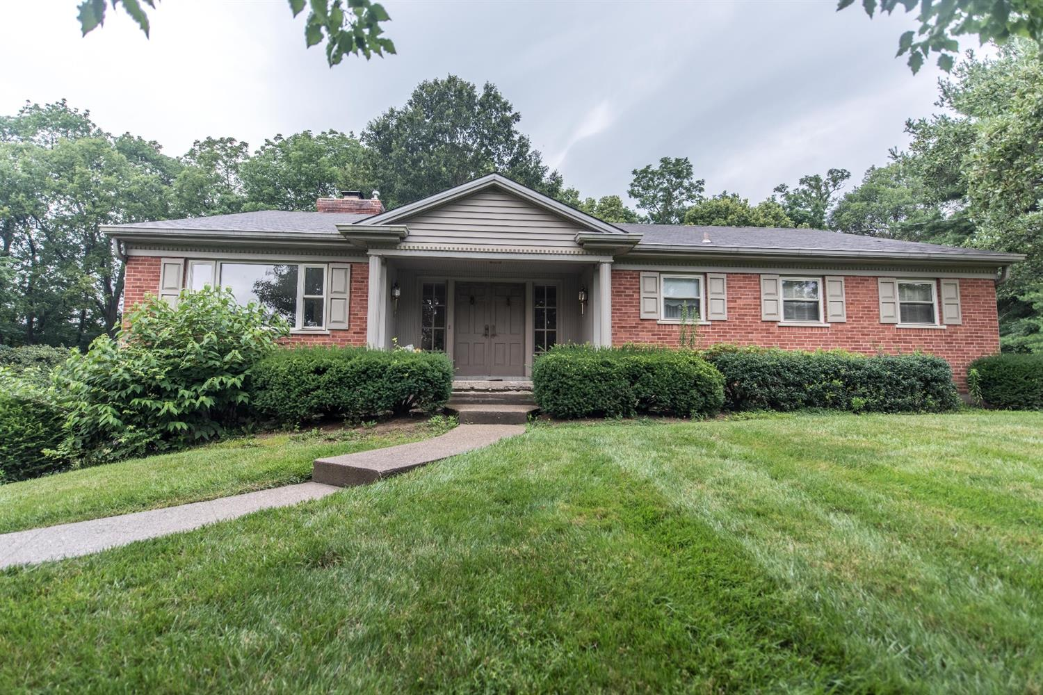 9085 Hoffman Farm Lane, Indian Hill, OH 45242