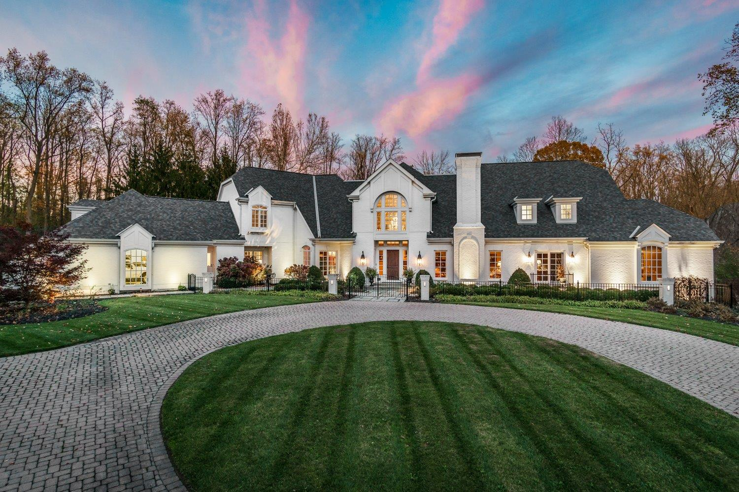 Grand estate in the heart of Coldstream. Exquisite home nestled on 9 private acres. Completely updated with high end finishes. Amazing solarium looking over beautiful pool and grounds. Incredible theater room. Perfect home to entertain. Luxury living at its best! Owner/Agent.
