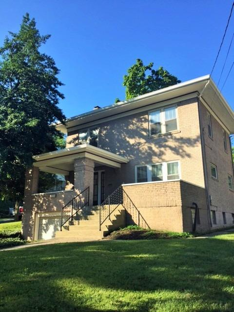 Walk to the square from this charming brick home. Situated on the corner of Urbancrest and Linwood, this all brick two story has a great backyard and a covered front porch for outdoor entertaining. Hardwood floors, recessed lighting and upgraded trim throughout. Beautiful Rookwood fireplace. Off-street and garage parking.