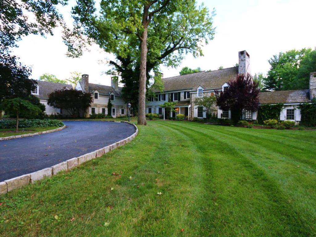 8065 Spiritwood Court, Indian Hill, OH 45243
