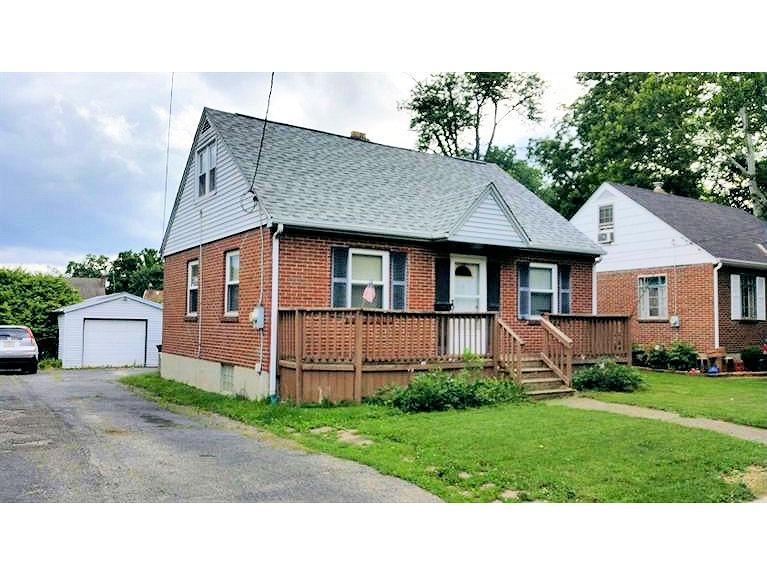 1220 sq ft 4BR in Sharonville. Replacement windows. Roof repl in 2008, Furnace in 2007, AC in 2005 and Water Heater in 2007.  Subject to bank accepting short payoff.
