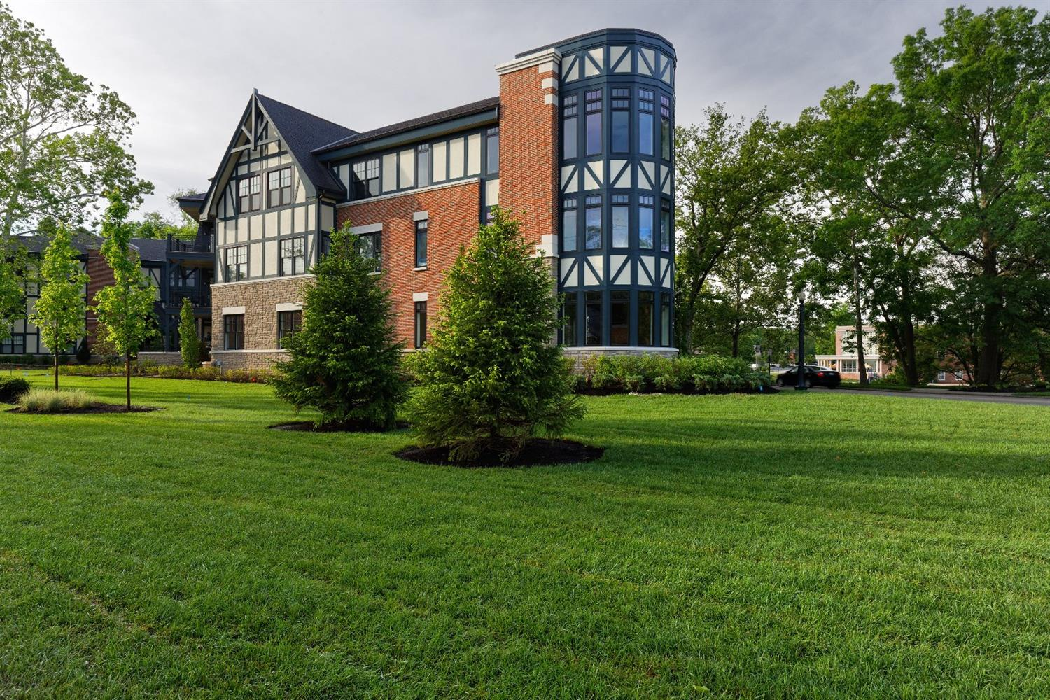 6901 Murray Avenue 205, Mariemont, OH 45227