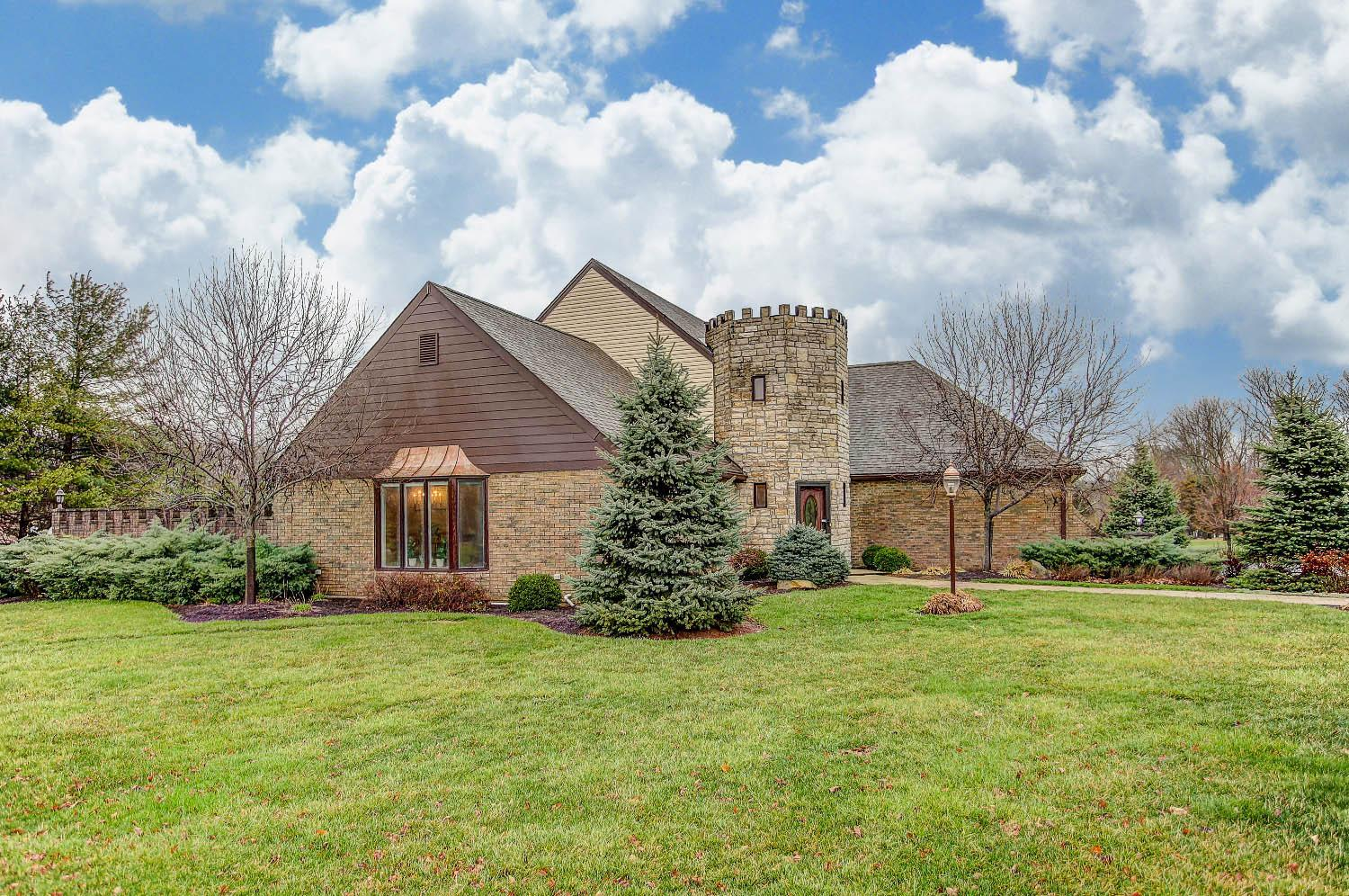 2870 Golden Fox Trail, Turtle Creek Twp, OH 45036