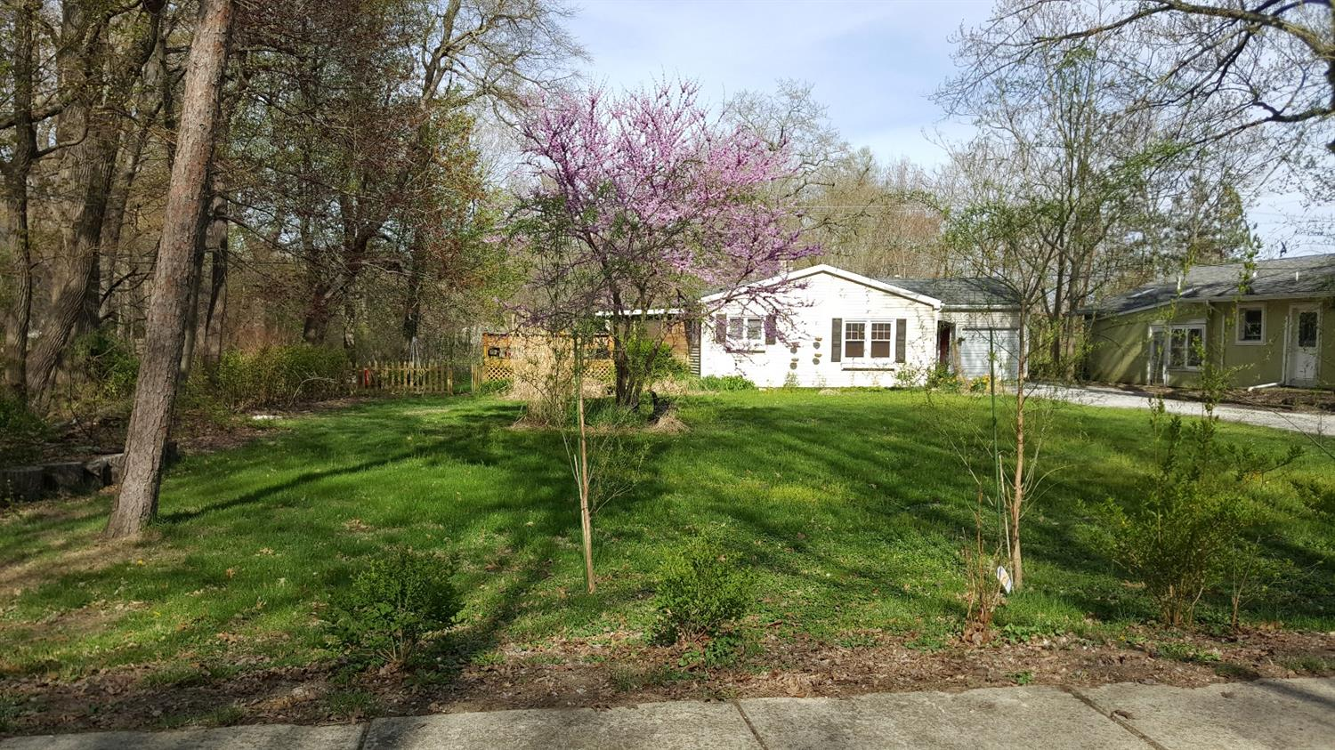 215 SOUTH BROADWAY AVENUE, BEVERLY SHORES, IN 46301