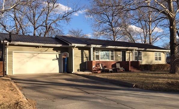 528 S 7th St, Osage City, KS 66523