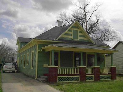 624 Walnut, Emporia, KS 66801