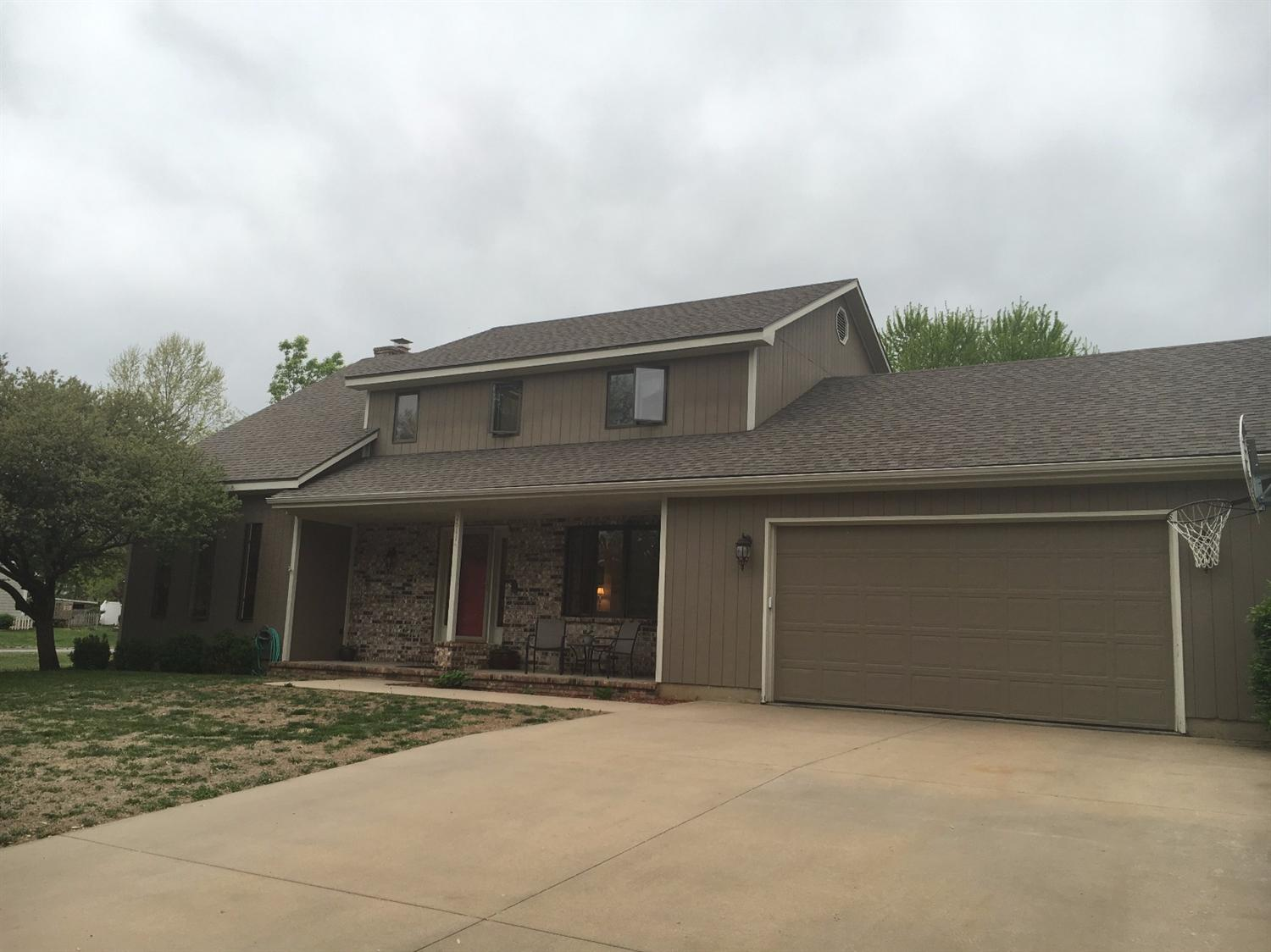 2611 Willow Lane, Emporia, KS 66801