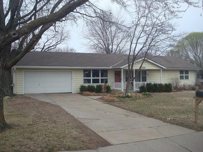 1224 W 18th Avenue, Emporia, KS 66801