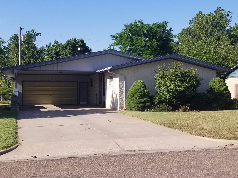 1508 Mikes Drive, Garden City, KS 67846