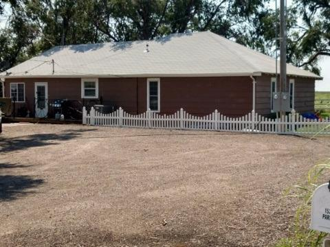1520 Rodkey Rd, Garden City, KS 67846