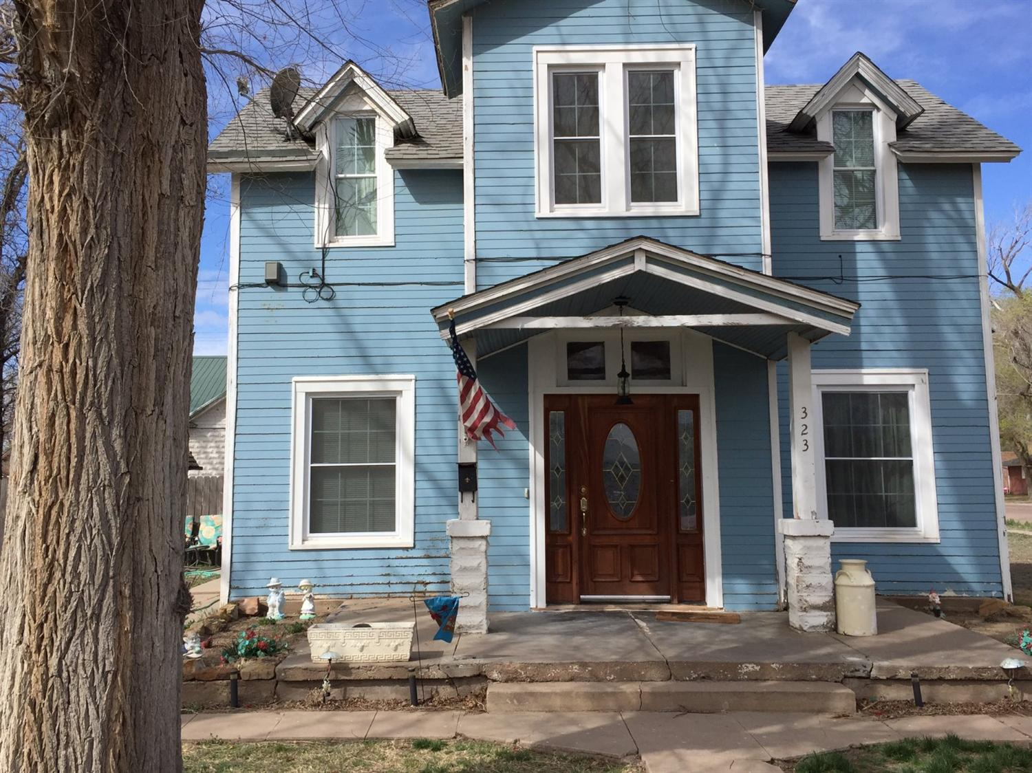 323 N. 10th Street, Garden City, KS 67846