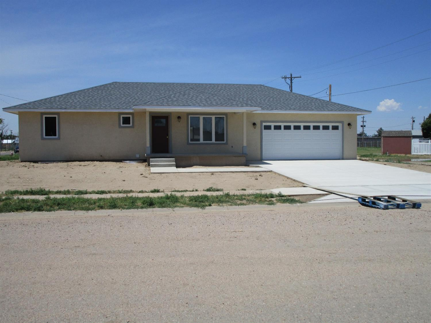 401 Russell Road, Holcomb, KS 67851