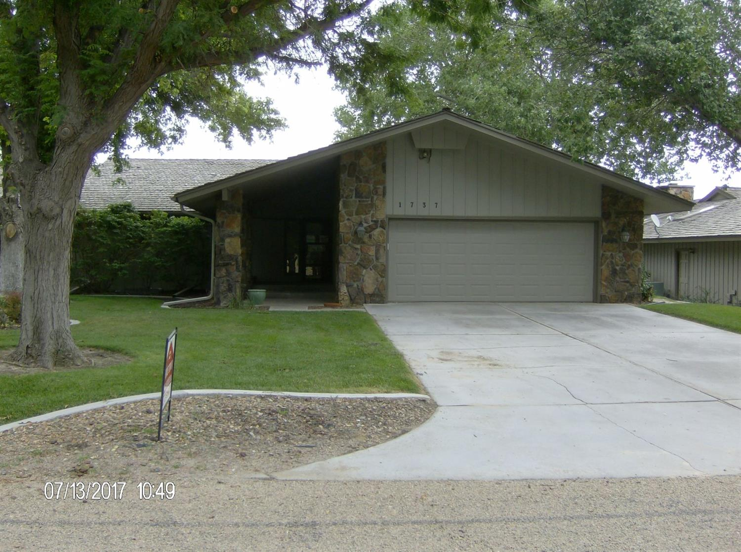 1737 Kensington Boulevard, Garden City, KS 67846