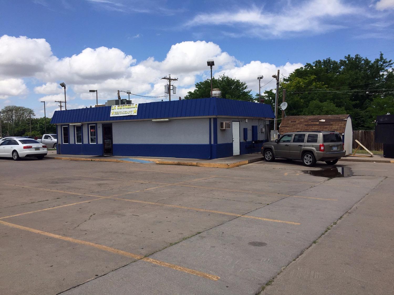 305 E Kansas Ave, Garden City, KS 67846