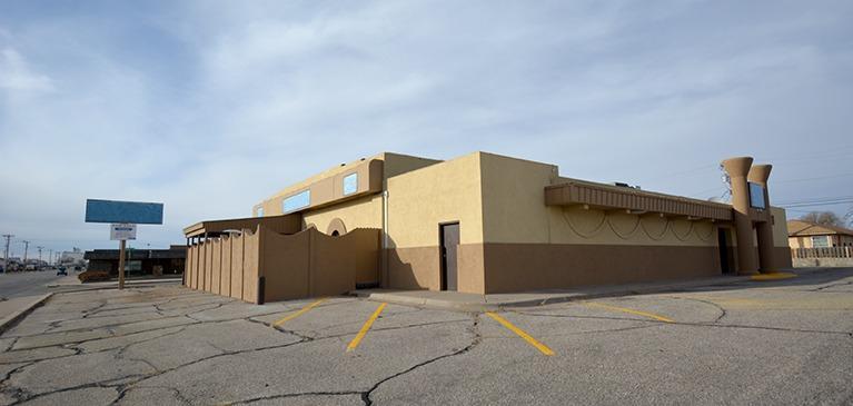 1303 E Fulton Street, Garden City, KS 67846