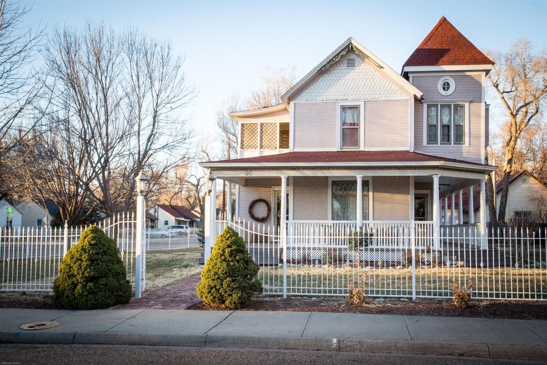 1001 E Walnut, Garden City, KS 67846
