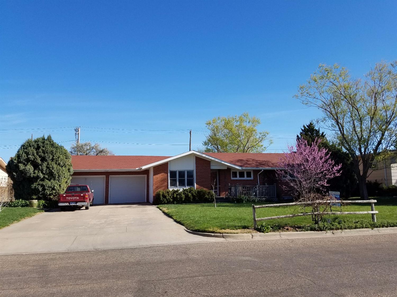 1607 Mikes Drive, Garden City, KS 67846