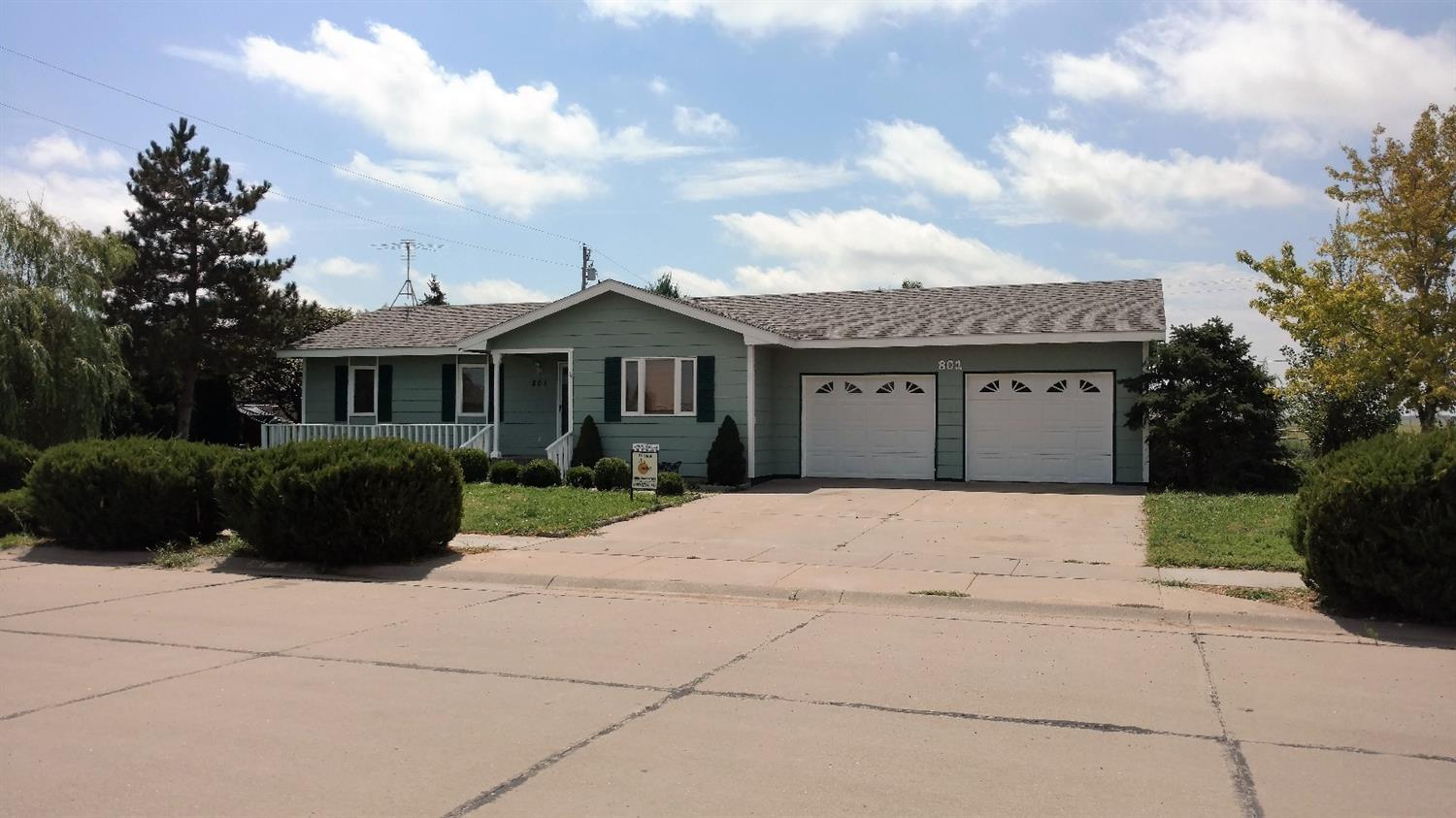 801 Arkansas Avenue, Holcomb, KS 67851