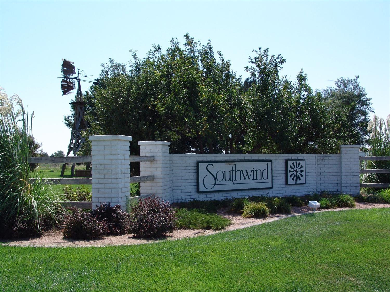 1807 Grandview  East, Garden City, KS 67846