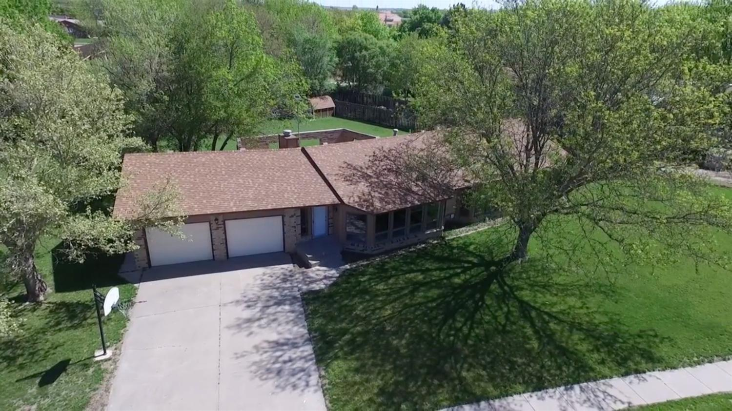 1203 Kingsbury Road, Garden City, KS 67846