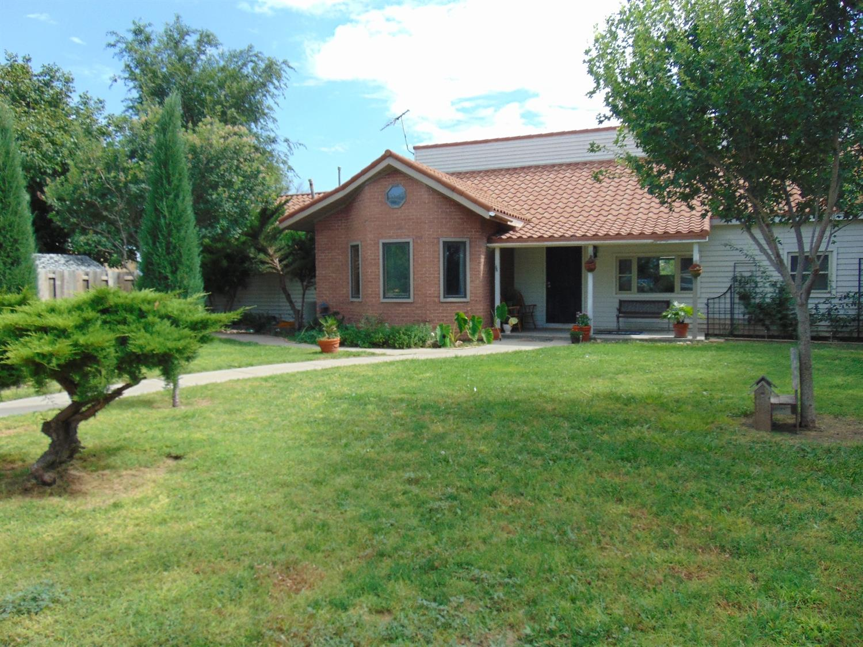 3112 Kathryn Drive, Garden City, KS 67846