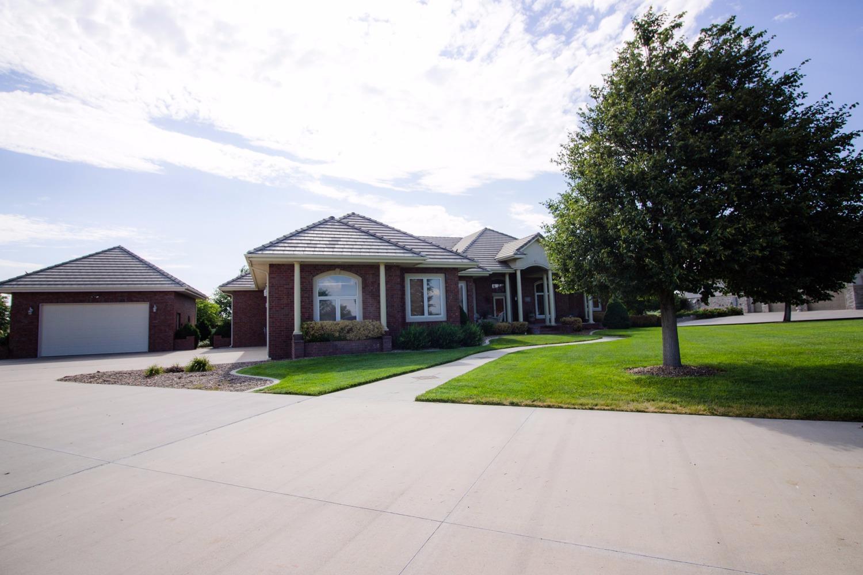 104 Diamond Hill Drive, Garden City, KS 67846