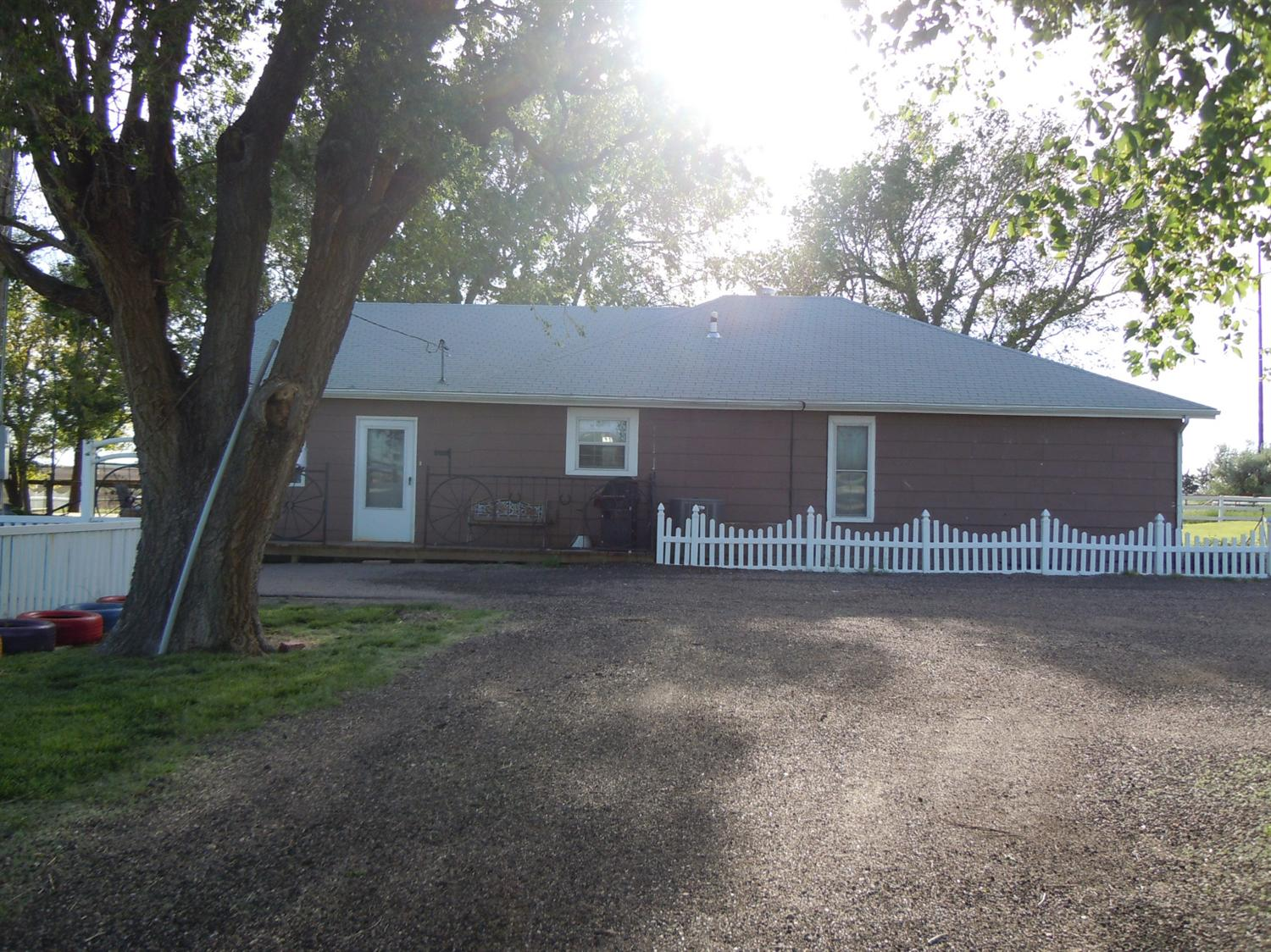 1520 E Rodkey Road, Garden City, KS 67846
