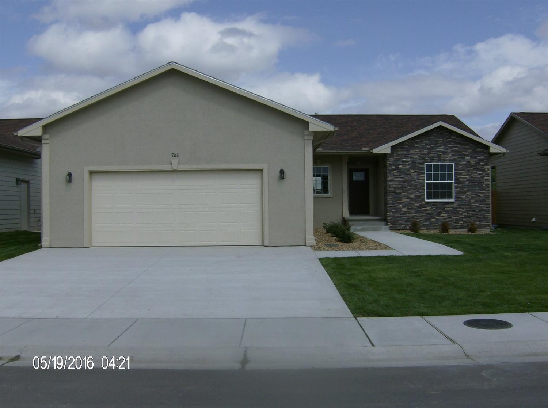 706 Warrior Street, Garden City, KS 67846