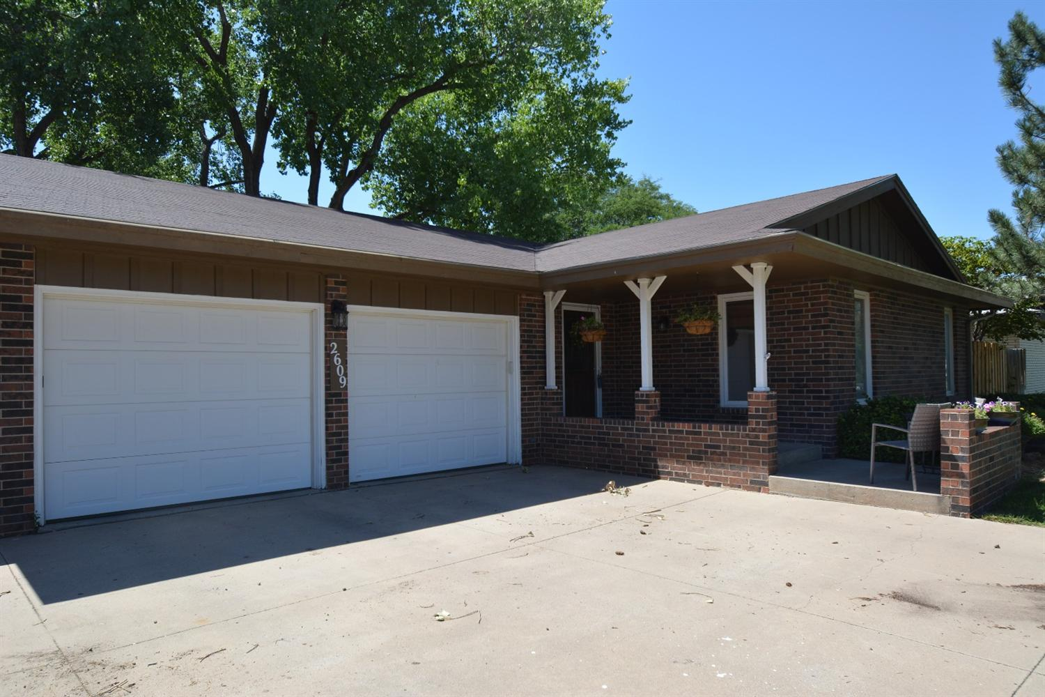 2609 N Belmont Pl, Garden City, KS 67846