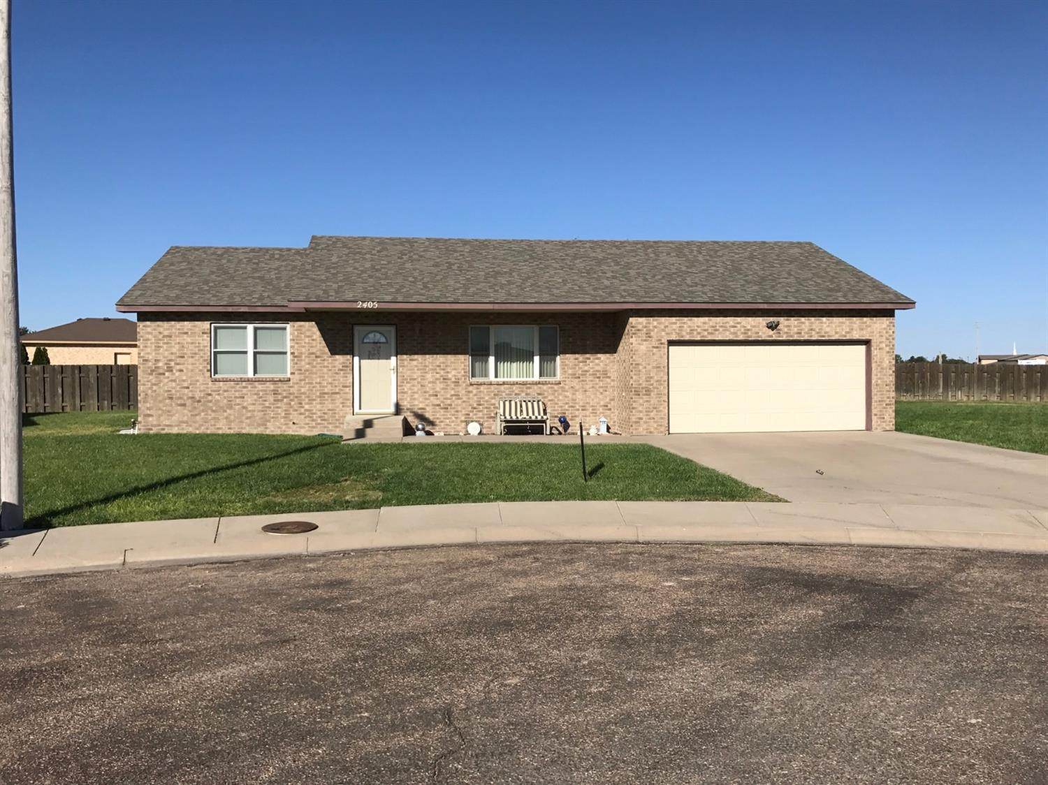 2405 Yosemite Court, Garden City, KS 67846