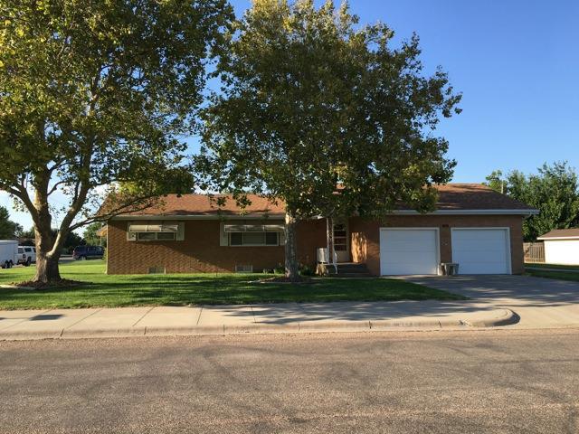 1601 Willow Lane, Garden City, KS 67846
