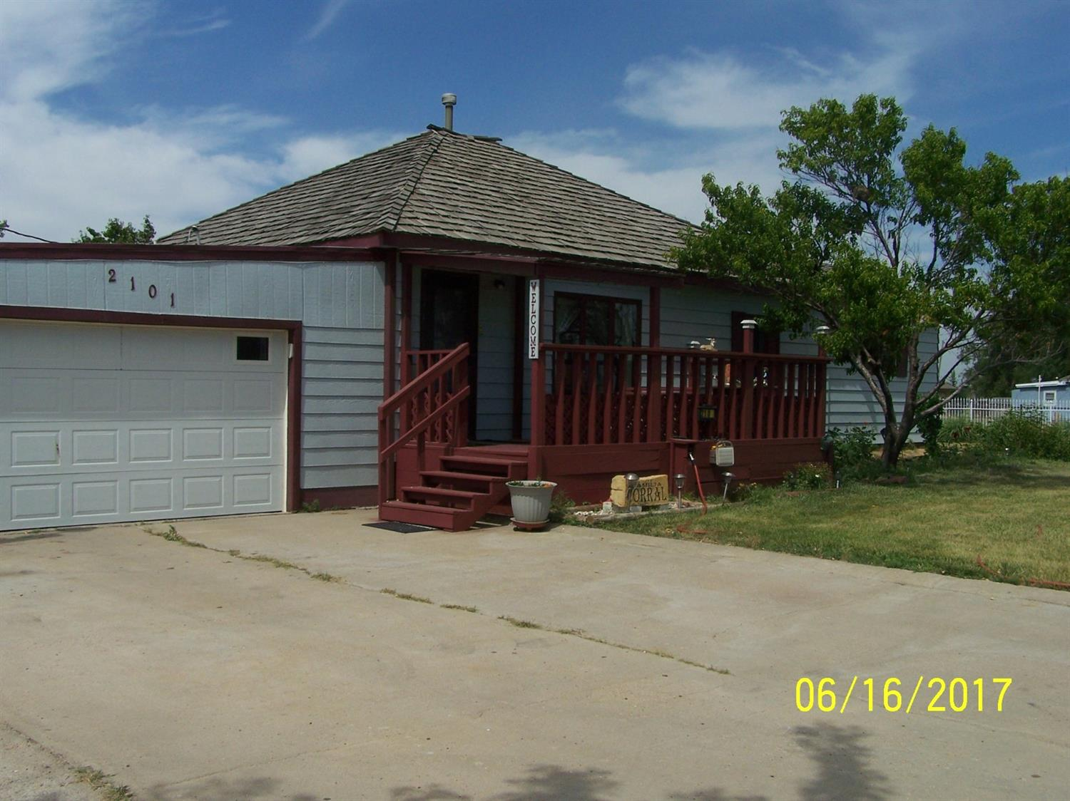 2101 W Maple, Garden City, KS 67846