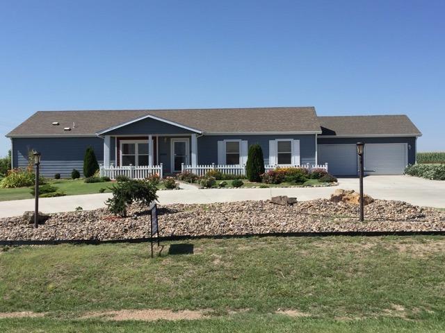 4895 Leonard Circle, Garden City, KS 67846