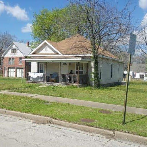 824 E Maple Street, Independence, KS 67301