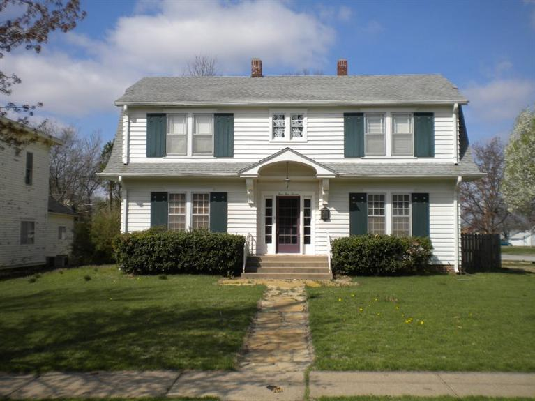 417 N 10th Street, Independence, KS 67301
