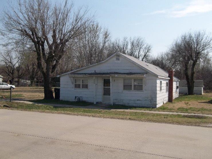 2116 N Boulevard, Parsons, KS 67357