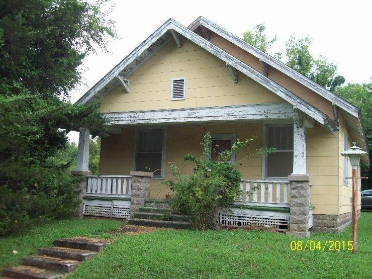 615 S 23rd Street, Parsons, KS 67357