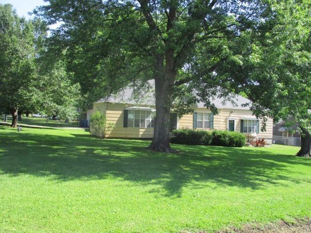 3612 W 4th Street, Coffeyville, KS 67337