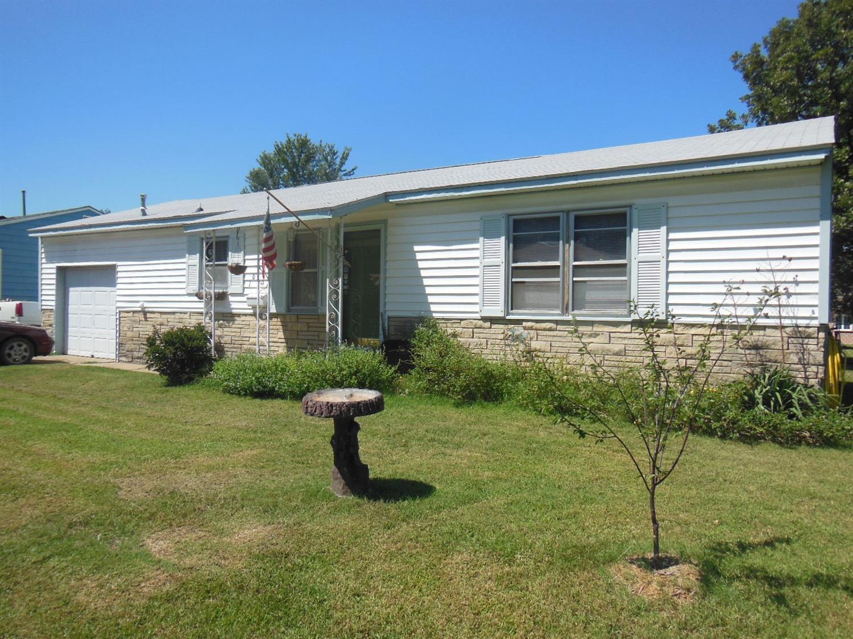 1026 E 6th Street, Cherryvale, KS 67335