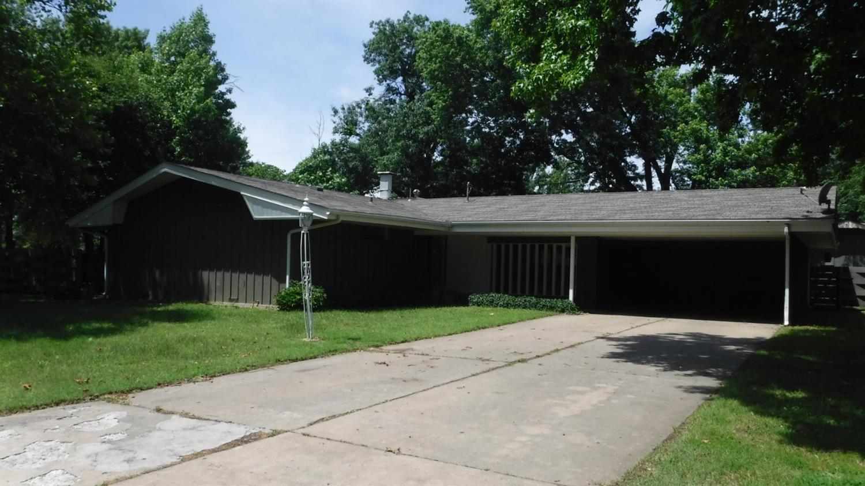 2702 W Fairway Street, Coffeyville, KS 67337