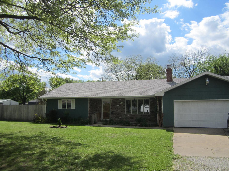 216 S Pine Street, Cherryvale, KS 67335