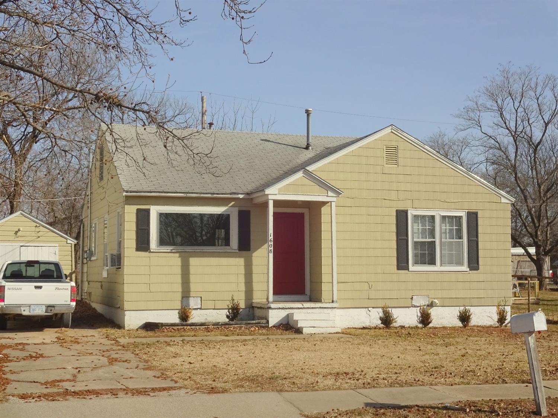 1608 N 10th Street, Independence, KS 67301