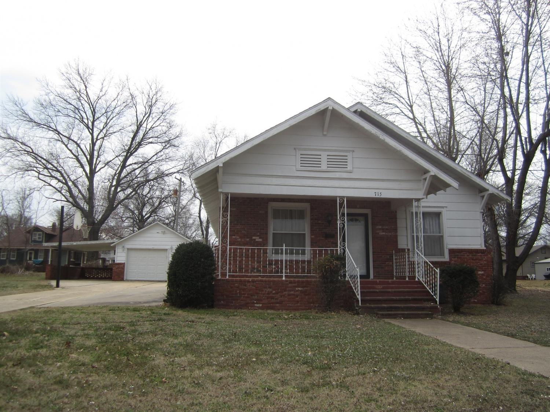 715 E Main Street, Cherryvale, KS 67335
