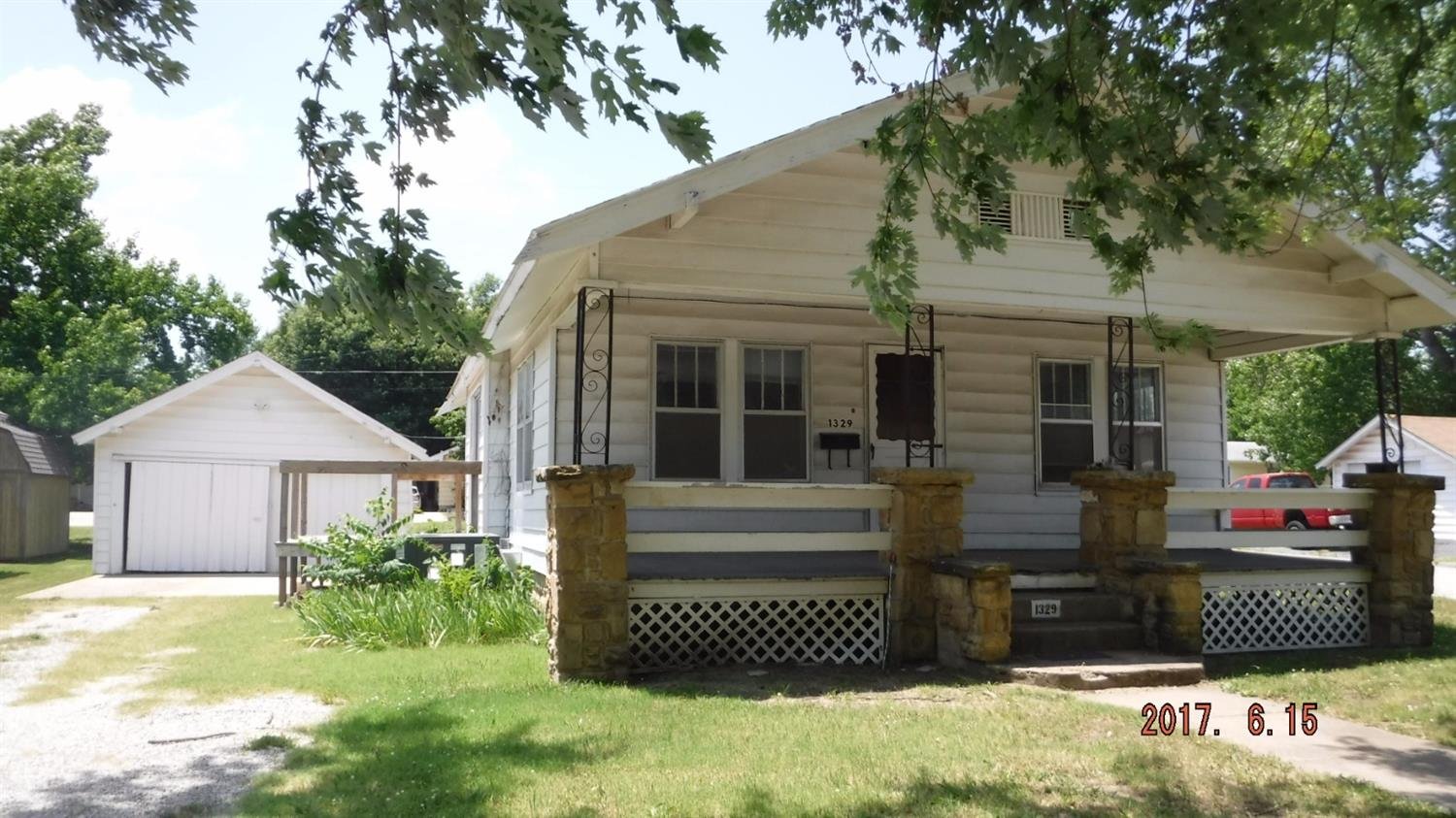 1329 N 8th Street, Independence, KS 67301