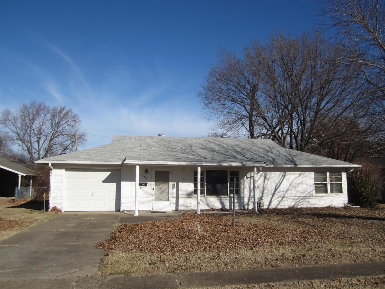 900 E Main Street, Cherryvale, KS 67335
