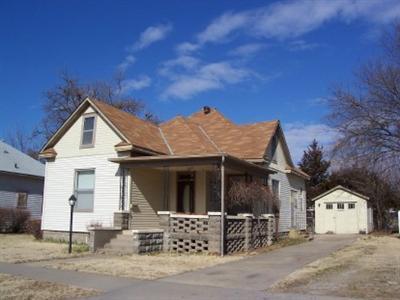 2515 Crawford Avenue, Parsons, KS 67357