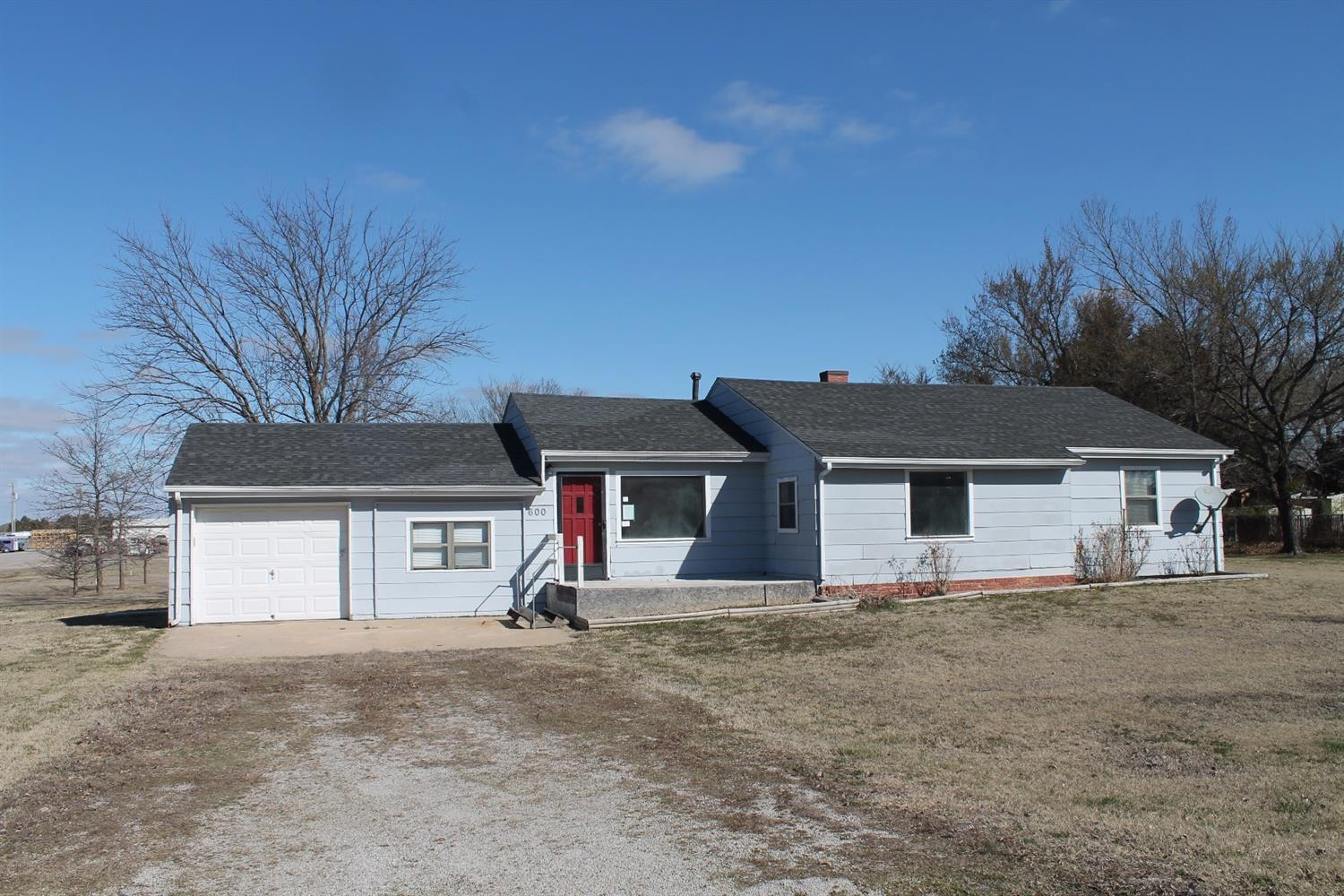 600 N East Street, Caney, KS 67333