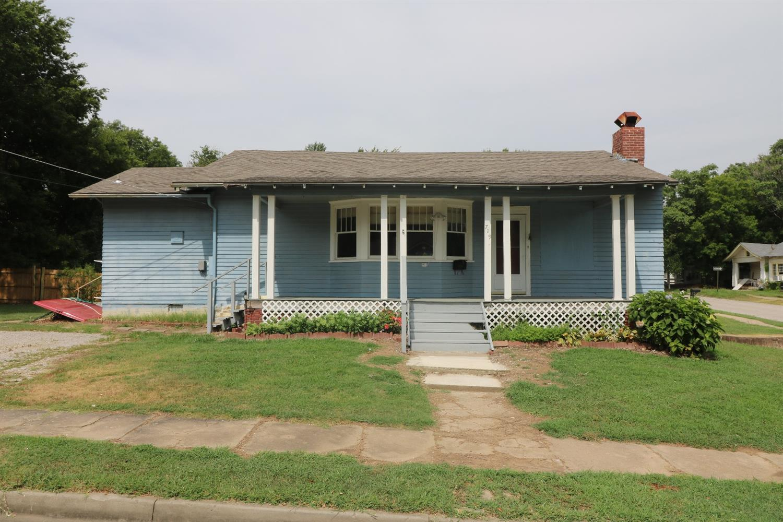 719 N 5th Street, Independence, KS 67301